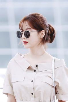 Girl Short Hair, Short Girls, Short Hair Cuts, Short Hair Styles, Korean Short Haircut, Short Hair Glasses, Korean Girl, Asian Girl, Snsd Airport Fashion