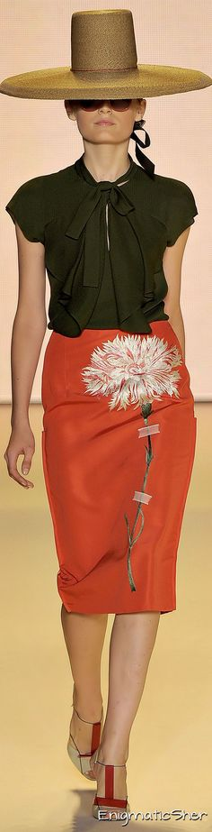 Carolina Herrera Spring Summer 2011 Ready-To-Wear