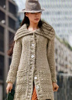 Tejidos - Knitted 2 - Hand knit Long Coat from Chunky Peruvian wool Sweater Coats, Wool Cardigan, Sweaters, Pullover Outfit, Langer Mantel, Chunky Wool, Knitted Coat, Coat Patterns, Knitting Patterns