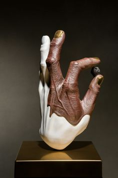 ceramic sculpture by  Ho-chul .Lee