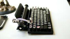 10835122b430bb40b7f8e9ac9c5bb408 large レトロな感じが洒落てるタイプライター風キーボード : Qwerkywriter