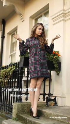 Elite Model, Xenia Tchoumitcheva, Sarah Hyland, Russia, Stairs, Glamour, Facebook, Female, Girls