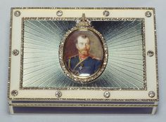 Faberge -  Imperial presentation box - Henrik Emanuel Wigström (1862-1923) (workmaster) - Two-colour gold, guilloché enamel, brilliant and rose-cut diamonds - Presented on behalf of Nicholas II to Gabriel Hanotaux by the former Grand Duke Nicholas of Russia, 1917; acquired by Queen Mary and given to King George V on his birthday 3 June 1934