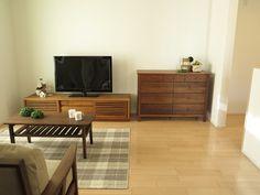 同じ間取りにナチュラル色の家具とウォールナット色の家具の2パターンをセッティングしました | 家具なび ~きっと家具から始まる家づくり~