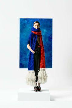 Женский шарф крупной вязкой