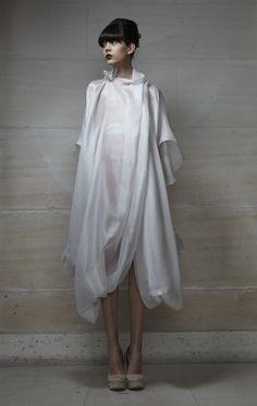 http://lisabarbaro.com/  #white #fashion #coat #60's #balenciaga #inspired #paris #model #drape #design: