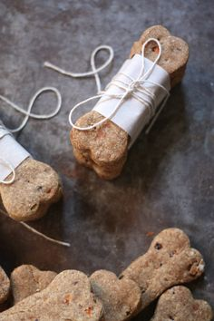 Carrot and banana dog treats for health-conscious pups.