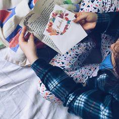 Dzień dobry! Takie poranki z listem bardzo lubię  Mój plan na sobotę - odpisać na 2 listy i wylosować na postcrossingu kilka nowych pocztówek  A Wy macie jakieś korespondencyjne plany? #penpalspoland #teamkorespondencja #lettersarebetter #list #listy #letters #letter #envelope #korespondencja #greetingcard #ludzielistypiszą #goodmorning #poranek #pościel #uspostalservice