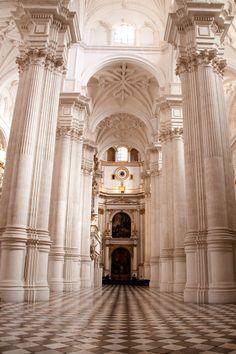 Travel Inspiration for Spain - Travel guide: Granada, outside the Alhambra - a girl & her home Spain Travel Guide, Granada Spain, Andalucia, Seville, Santa Fe, Bella, Travel Inspiration, Architecture Design, Madrid