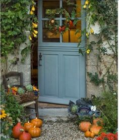 Front Door Paint Colors - Want a quick makeover? Paint your front door a different color. Here a pretty front door color ideas to improve your home's curb appeal and add more style! Cottage Front Doors, Cottage Door, Cottage Exterior, Wooden Cottage, Diy Exterior, Stucco Exterior, Exterior Paint, Ideas Cabaña, Style Cottage