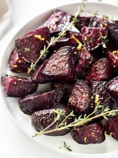 Easy oven roasted beets are a simple and sweet recipe. They are a perfect side dish for the fall and holiday season! Beet Recipes, Cooking Recipes, Healthy Recipes, Cheap Recipes, Gourmet Recipes, Healthy Foods, Easy Recipes, Roasting Beets In Oven, Oven Roasted Beets