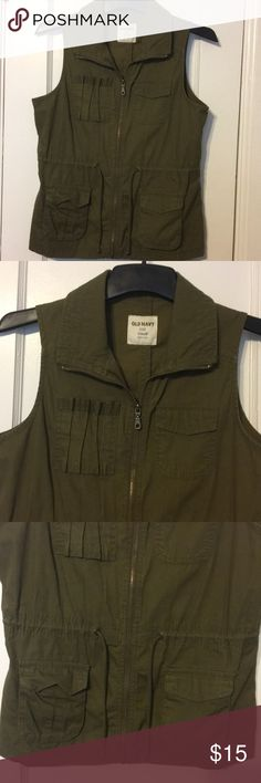 "Old navy army green vest Old navy army green vest! Size small and 25.5"" long Old Navy Jackets & Coats Vests"
