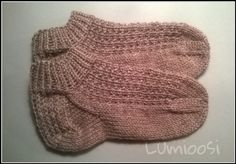 Nilkkasukkaa One Color, Colour, Mittens, Knitted Hats, Knitting, Diy, Crafts, Knits, Sneakers
