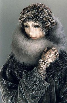 Alexandra's exquisite dolls: Lady in Grey