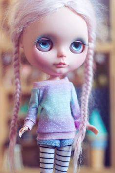 Gradient dots sweater for Blythe dolls