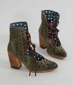 Freebird by Steven Flute Shoe - Women's Shoes in Green | Buckle