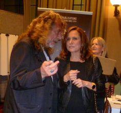 Robert Plant (& The The Strange Sensations) with Aninha Capaldi.
