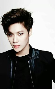 Taemin in his vampire mode:p