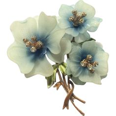 This rare early plastic Coro flower brooch has blue and white petals with rhinestones on the stamen. Costume Jewelry Crafts, Vintage Costume Jewelry, Vintage Costumes, Vintage Jewelry, Jewelry Ads, Brass Jewelry, Turquoise Jewelry, Brooch Bouquets, Flower Brooch