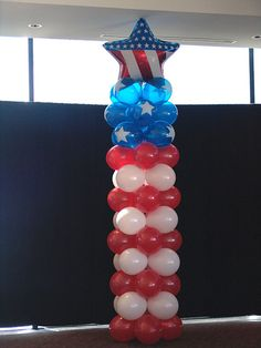 American flag theme balloon column