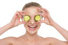 Como funciona esta mascarilla?  La avena es conocida por su capacidad para absorber el exceso de aceites, eliminar toxinas, limpiar los poros y suavizar la piel.  http://blogesp.diabetv.com/mascarilla-de-miel-y-avena-para-un-rostro-sano-y-radiante/