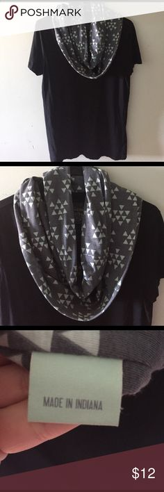 HANDMADE SCARF Cotton Grey with light green triangle print from a boutique here in Indiana. I love the feel of this scarf. I have so many I need to clean out! Accessories Scarves & Wraps