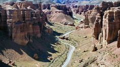 On Day you'll visit the Charyn Canyon which is 50 miles long and 600 - 1000 feet in depth in Uzbekistan Toll ist aber in Kasachstan. Places Around The World, Around The Worlds, Castle Parts, Kazakhstan Travel, Sustainable Tourism, Largest Countries, Greatest Adventure, Culture Travel, Landscape Photos