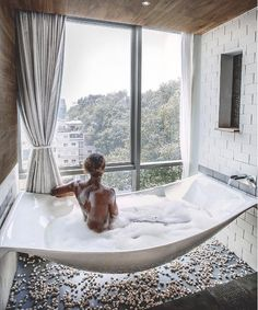 Floating bathtub