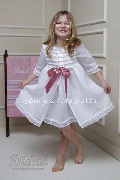 Julía. Camisón y batita colección 2016 Night Suit, Night Gown, Barefoot Kids, Stylish Little Girls, Kids Fashion, Womens Fashion, Kids Wear, Couture Fashion, Flower Girl Dresses