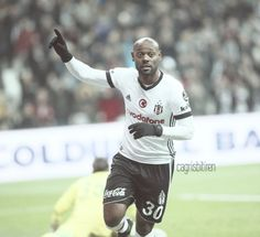 Vagner Love / Beşiktaş #Vagner #Love #Beşiktaş #Kartal Soccer, Baseball Cards, Sports, Hs Sports, Futbol, European Football, European Soccer, Football, Sport
