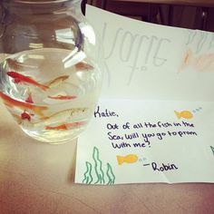 How to Ask a Girl to Prom. For the fish lover. Hey I'd accept. As long as I get to keep the fishies.