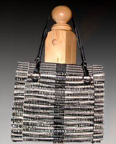 Rigid heddle woven fabric bag by Linda Gettman on Weavezine.