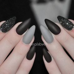 "If you're unfamiliar with nail trends and you hear the words ""coffin nails,"" what comes to mind? It's not nails with coffins drawn on them. It's long nails with a square tip, and the look has. Gorgeous Nails, Love Nails, Fun Nails, Gradient Nails, Holographic Nails, Glitter Nails, Grey Matte Nails, Matt Nails, Acrylic Nails Almond Matte"