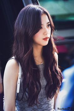 Read ♡ Tipo ideal da Jisoo ♡ {BLACKPINK} from the story Tipo Ideal dos k-idols by heygigialmeida (Giovanna Almeida) with 998 reads. Blackpink Jisoo, Kim Jennie, Kpop Girl Groups, Korean Girl Groups, Kpop Girls, Forever Young, Mamamoo, Lisa Park, Black Pink ジス