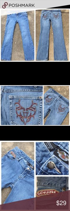 """Harley Davidson Jeans Size 4 Embroidered Pockets Ladies Harley Davidson Bootcut Jeans Size 4 Embroidered Pockets  Waist - 15"""" Inseam- 30"""" 9"""" cuff opening 99 % cotton,1% spandex. Great pre-owned condition. Harley-Davidson Jeans Straight Leg"""