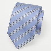 Falls jemand neue Herrenkrawatten, Seidenkrawatten oder Krawatten und Tücher sucht, dann kann ich den Krawatten Shop von Krawatten Spezialist aus Deutschland empfehlen. Ich habe dort schon einige Firmenkrawatten und schmale Krawatten im Bereich Krawatten Hochzeit gekauft und ich war sehr zufrieden. Für mich ist der Krawatten Shop perfekt zum Krawatten kaufen, weil man dort auch Krawatten Tücher und Krawatten bedrucken lassen kann, so ist es möglich eigene Krawatten mit Logo zu designen.