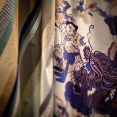 BELFORT & PAGODE de WIND Exclusive Design: Algodón estampado y raya de seda. #ontariofabrics