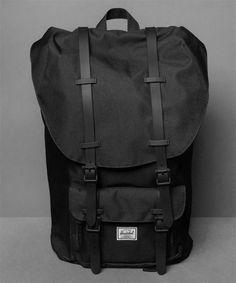 Neu im Shop: Herschel Little America Backpack in Black - http://www.numelo.com/herschel-little-america-backpack-p-24512777.html #herschel #littleamericabackpack #taschen #numelo