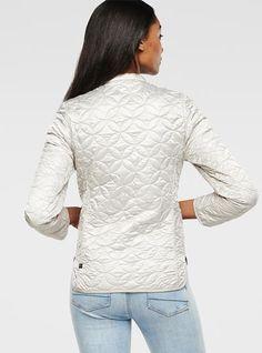Découvrez toutes les nouveautés G-Star femme. Commandez sur la boutique en  ligne officielle G-Star. Frais de livraison et retours gratuits. 2bcf9549d629