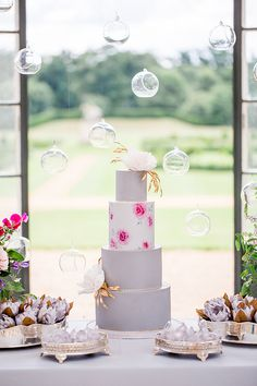 stylish wedding cakes - photo by Philippa Sian Photography http://ruffledblog.com/luxury-english-estate-wedding-inspiration