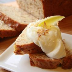 Toasted Coconut Pear Bread // uses simple ingredients like canned pears (shhh!)