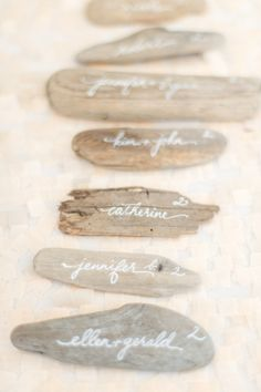 Driftwood place cards: http://www.stylemepretty.com/destination-weddings/2015/06/11/tropical-colorful-caribbean-wedding/ | Photography: Leila Brewster - http://www.leilabrewsterphotography.com/