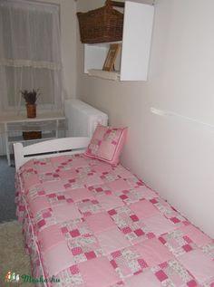 Rózsaszín fodros patchwork takaró (Barnabe) - Meska.hu