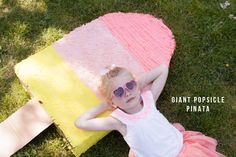 Giant Popsicle Pinata DIY peppermint candy topiaries great party idea This party can be thrown together in an hour Ice Cream Party, Popsicle Party, Party Like Its 1999, Little Girl Birthday, Summer Birthday, Festa Party, Diy Party Decorations, Childrens Party, Summer Crafts