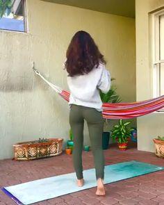 yoga poses ~ yoga _ yoga poses for beginners _ yoga poses _ yoga fitness _ yoga inspiration _ yoga quotes _ yoga routine _ yoga room Vinyasa Yoga, Yoga Bewegungen, Sup Yoga, Ashtanga Yoga, Yoga For Meditation, Yoga Handstand, Meditation Videos, Iyengar Yoga, Kundalini Yoga