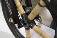 Calfee instaled a generator in the hub to power lights on the bike. Bamboo Bicycle, Velo Design, Quad, Shows 2017, Tricycle, Wood Design, Can Opener, Bike, Pure Products