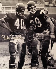 Gale Sayers signed Chicago Bears standing on field with Mike Ditka black and white photo. Item comes with a Schwartz Sports Memorabilia tamper-proof numbered hologram and Certificate of Authenticity which can be verified online. Nfl Bears, Bears Football, Nfl Chicago Bears, Bulldogs Football, Chicago Illinois, Nfl Football Players, Sport Football, School Football, Football Pics