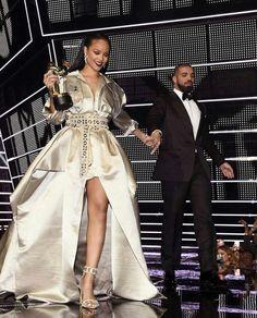 Rihanna wearing Alexandre Vauthier at MTV VMA awards