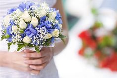 morado y blanco con florcitas chicas