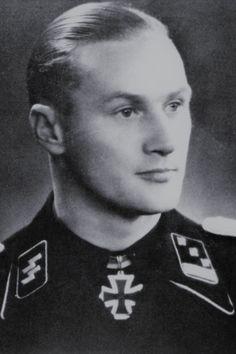 "SS-Sturmbannführer Werner Pötschke (1914-1945), Kommandeur I./SS-Panzer Regiment 1 ""Leibstandarte SS Adolf Hitler"", Ritterkreuz 04.06.1944, Eichenlaub (783) 15.03.1945"
